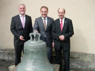 Dekan Braun, Finanzstaatssekretär Ingo Rust (SPD) und Gernot Gruber